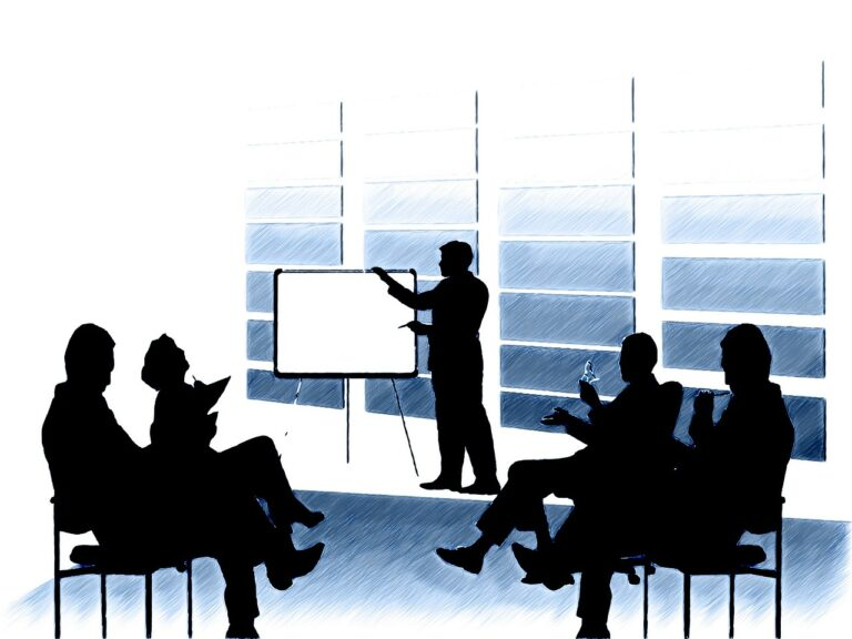 Le co-développement favorise l'intelligence collective et le développement de compétences personnelles.